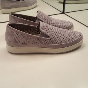 DONALD J PLINER MADDOX SUEDE PERFORATED SNEAKER